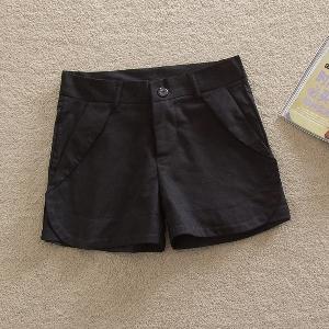 Къси дамски панталони в черен,бял и червен цвят - 3 модела