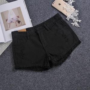 Дамски къси дънкови панталони в черен,бял и син цвят - 4 модела