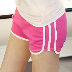 Къси дамски панталони подходящи за джогинг - цикламени и черни
