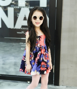 d892592c793 Детски копринени ежедневни рокли за малки момичета - няколко летни и цветни  модела