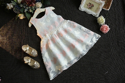 bf73240d11b4 Παιδικό σιφόν φορέματα για μικρές πριγκίπισσες -Λευκό, μαύρο και κόκκινο.