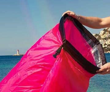 Надуваеми дюшеци за плаж и планина - модели и цветове: червени, сини, лилави за мъже, жени и деца