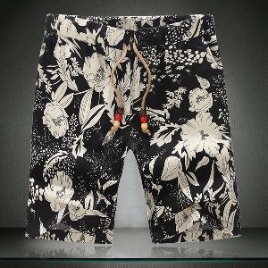 Мъжки къси панталони с флорални мотиви шест модела.
