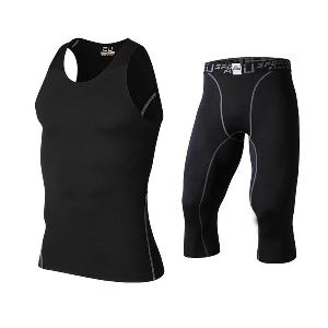 Мъжки спортен екип, комплект от черен потник и къси панталони