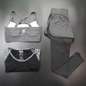 Дамски спортен комплект подходящ за танци, йога или друг вид тренировки