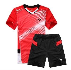 Мъжки спортни екипи от тениска с къс ръкав и къси панталони: червени, сини, жълти за фитнес, бадмингтон и туризъм