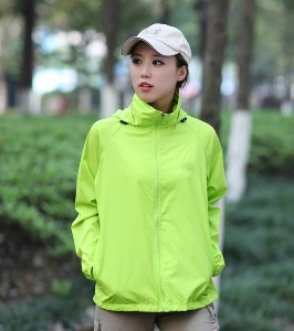 Дамски и мъжки планински туристически якета с качулка зелени, сини, оранжеви, виненочервени пролетни,есенни,  летни, полиестър