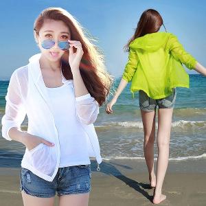 Дамски летни туриситчески дишащи якета с качулка със слънцезащитна функция бели, сиви, зелени, розови с качулки