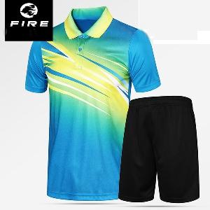 Мъжки спортни летни екипи от две части тениска с къс ръкав синя, жълта, червена цветна и къси черни панталони бързосъхнещи