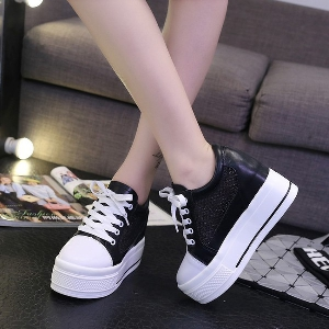 Дамски мрежести дишащи обувки на платформа с връзки: Бели и Черни