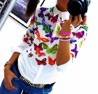 Дамска НОВА  бяла риза на пеперуди и цвятя тип слим с яка и копчета