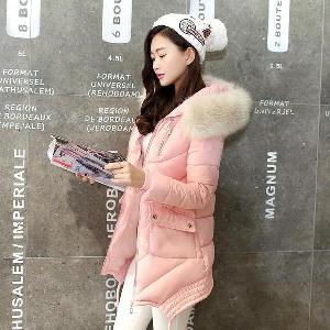 Дълги зимни дамски якета с пухена качулка в различни цветни модели
