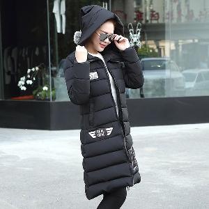 Γυναικείο   μπουφάν για το  χειμώνα  με κουκούλα σε 4 χρώματα μέχρι  το γόνατο