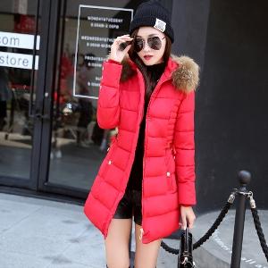 Дамски зимни дълги якета в четири цвята с качулка с пух.