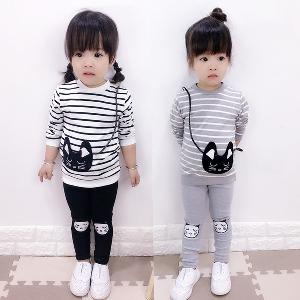 Есенно екипче за малки момичета в черно и сиво.