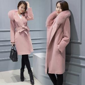 Зимно дамско палто  с качулка от мек плюшен косъм