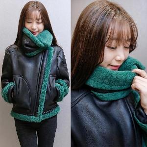 δερμάτινο σύντομο σακάκι χειμώνα faux γυναικών και ζεστή επένδυση