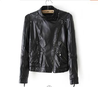 Дамско яке от изкуствена кожа в класическо черно с много ципове