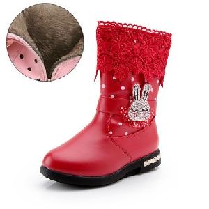 69950a39904 Παιδικές χειμωνιάτικες μπότες για κορίτσια σε ροζ, κόκκινο και μαύρο χρώμα.