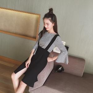 7ec5e70df807 Γυναικείο κομψό σετ από μαύρο φόρεμα με τιράντες και γκρι μπλούζα ...