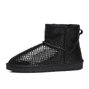 Αδιάβροχες χειμερινές μπότες για γυναίκες σε διάφορα χρώματα και σχέδια