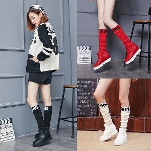 Уникални зимни дамски ботуши в бял, червен, черен цвят от изкуствена кожа