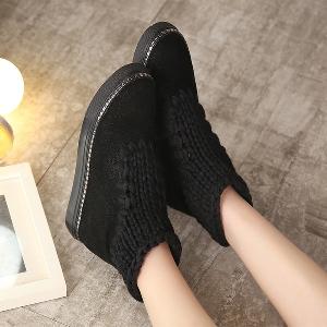 Γυναικείες κομψές και ζεστές μπότες  σε καφέ, πράσινο και μαύρο χρώμνα