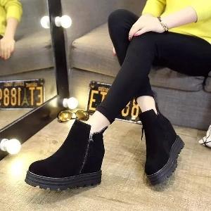 Дамски боти на платформа с цип в черен и кафяв цвят