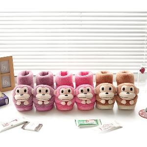 Сладки дамски плюшени боти с маймунки в розов, лилав и кафяв цвят