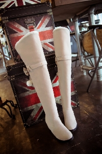Γυναικείες μπότες στο γόνατο με γούνα σε τέσσερα χρώματα