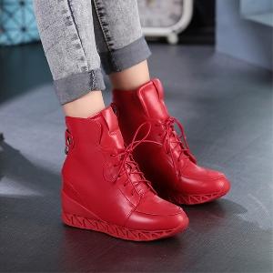 Καθημερινά  γυναικεία παπούτσια με κορδόνια σε κόκκινο και μαύρο χρώμα