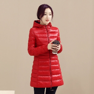 Дамско памучно дълго яке с качулка и изчистен дизайн в червен, черен, син, цикламен цвят