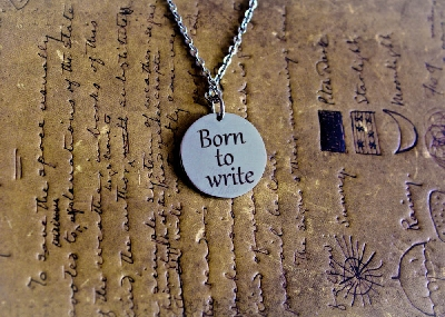 """Медальон """"Born to write"""""""