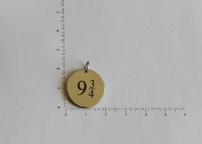 """Медальон """"Перон 9 3/4"""""""