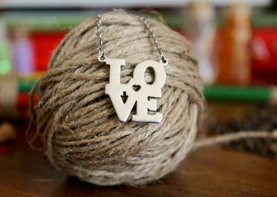 """Колие """"LOVE"""""""