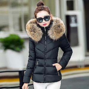 Дамско зимно яке в различни цветове с панделка на гърба и еко пухче