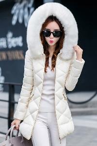 χειμώνα σακάκι των γυναικών με χρωματιστά φτερά