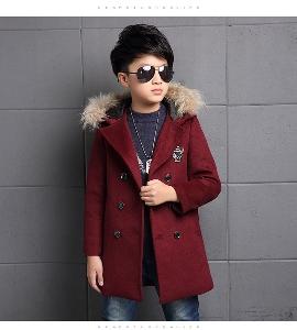 Дебело детско палто за момчета с качулка и пух, в черен, червен и зелен цвят