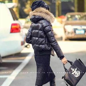 Дамско зимно яке с качулка и пух
