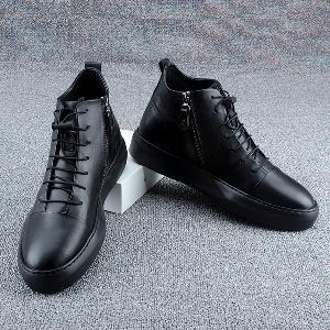 831950f4d16 Κομψά αδιάβροχα παπούτσια για τους άνδρες με μοναδικό παχύ και συνδέσεις