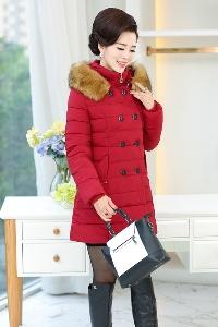Дамски слим зимни якета с качулка и пух червени сиви черни