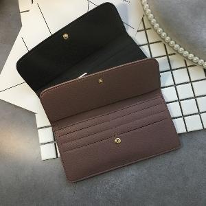 Κομψό κυρίες πορτοφόλια σε πέντε χρώματα με πολλά τμήματα.
