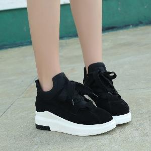 Дамски спортни велурени обувки с връзки: 3 цвята