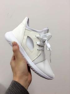 Αθλητικά γυναικεία παπούτσια από δέρμα μικροϊνών σε ροζ 496b9b4a7e3