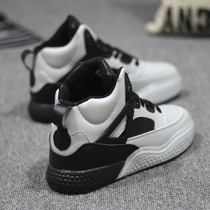 Σπορ γυναικεία παπούτσια με παχιά σόλες σε μαύρο 847f344d2d3