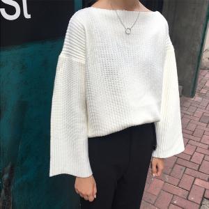 Дамски пуловер с широки дълги ръкави в черен, бял и кафяв цвят
