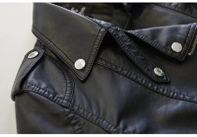 Κομψή δερμάτινο μπουφάν για τις γυναίκες μαύρο, βρετανικού στυλ