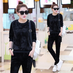 11fad8215a0 Спортен комплект за жени в бордо и черен цвят от 2 части - панталон и блуза