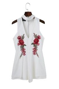 Дамски летен гащеризон бял и черен с бродерия цветя