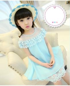 Детска свежа рокля за момичета с дантела в светлосин, розов и цикламен цвят